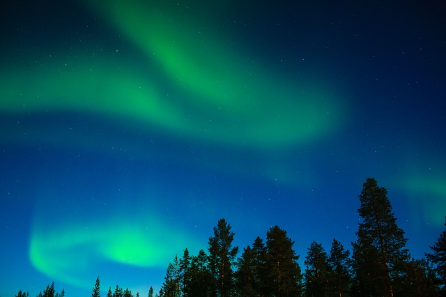 northern-lights-2174081_640