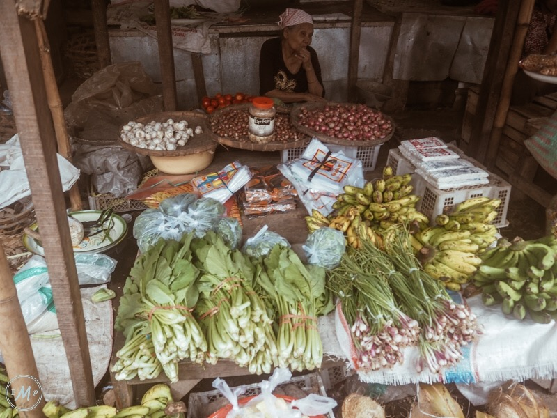 Travel Itinerary for a day trip to Lombok - a food stall at Ampenan Market, a visit was part of my Lombok trip itinerary