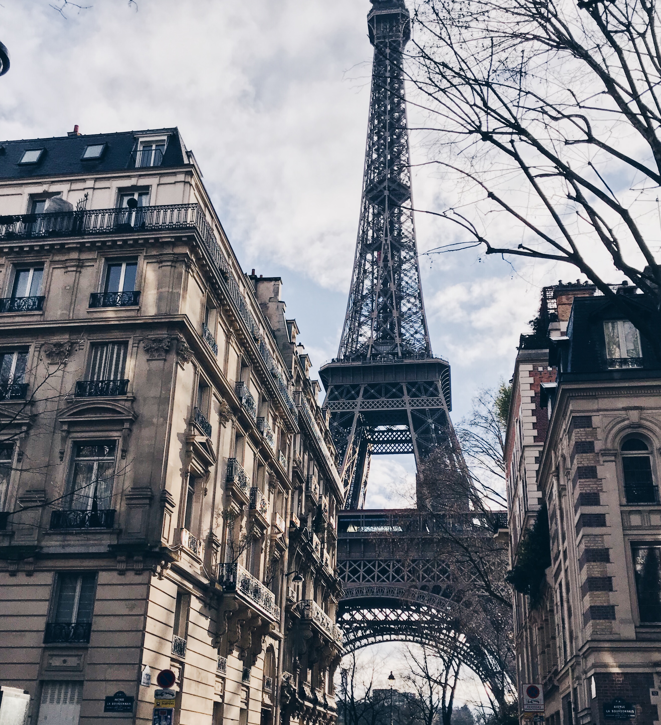 The eiffel tower - travelling to paris
