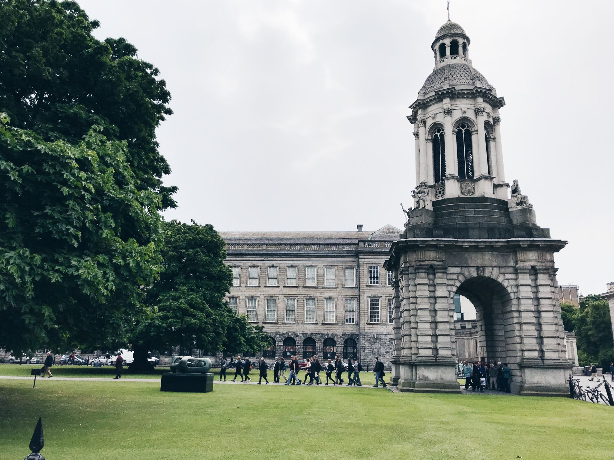 Places to visit in dublin - Trinity College (outside)