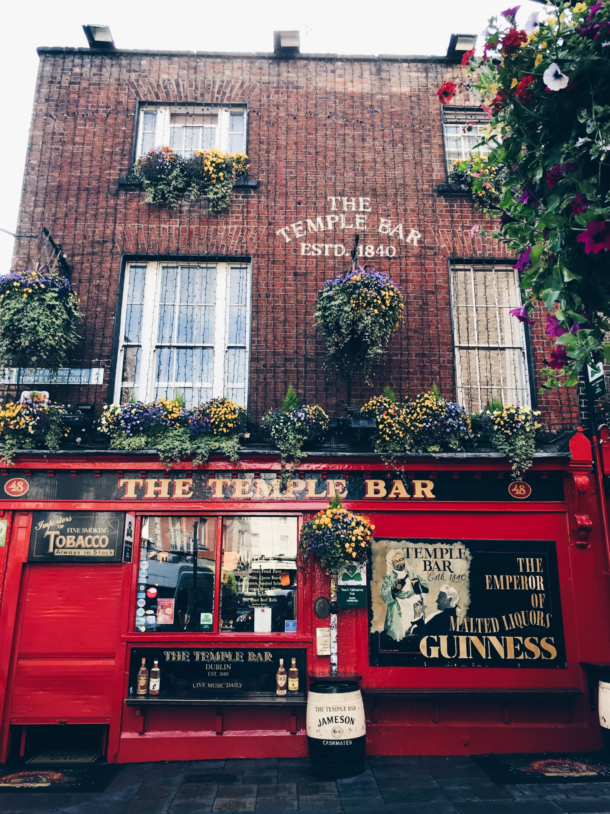 Dublin in a day - Drink at temple bar