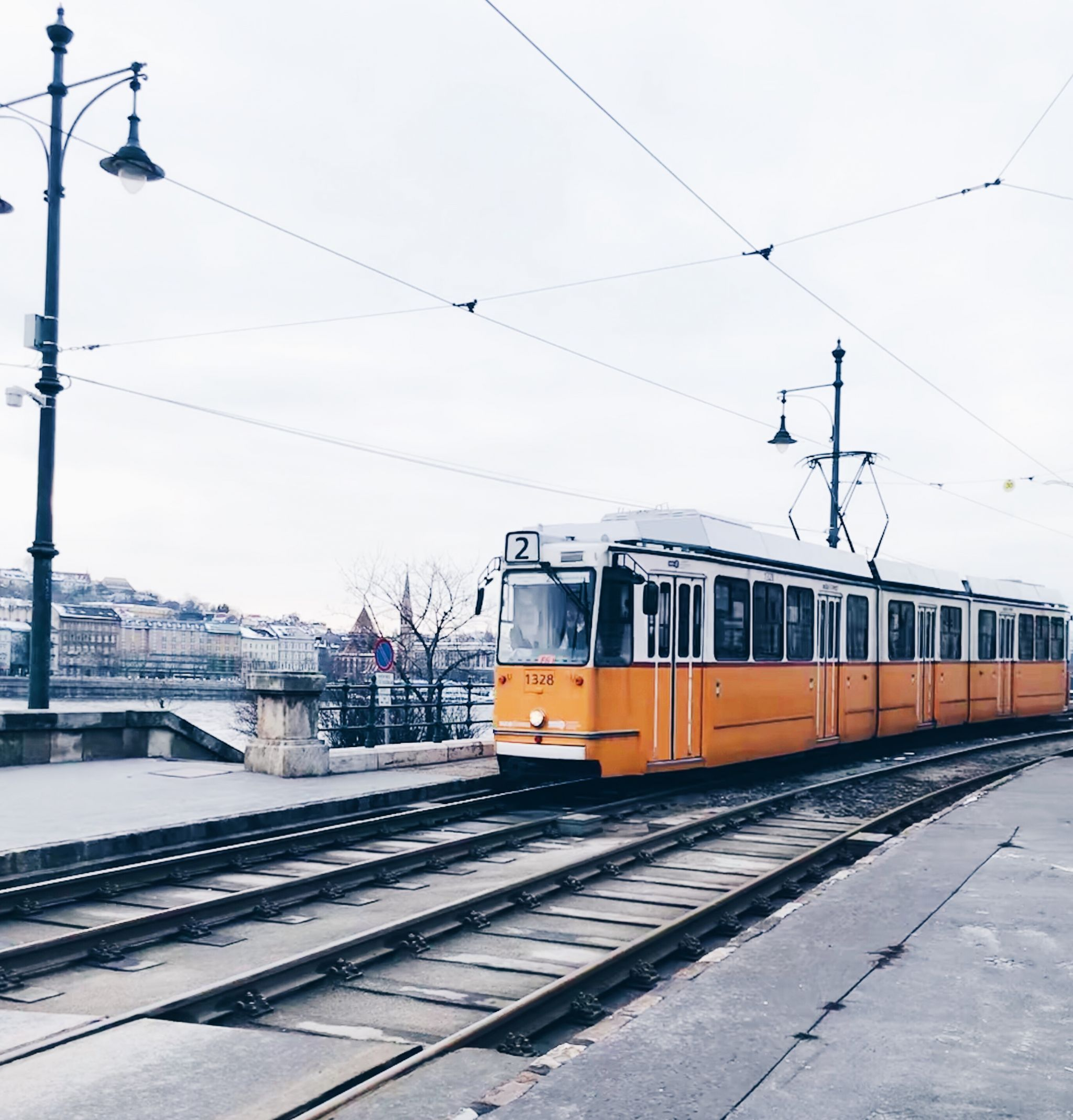 take the city tram budapest itinerary