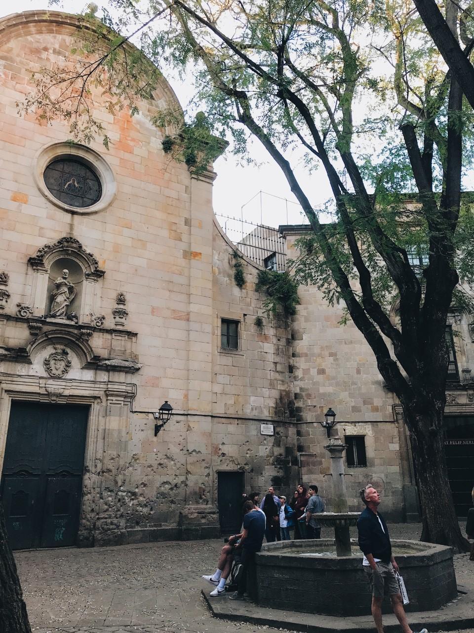 Sant Felip Neri Square Gothic quarter barcelona attractions